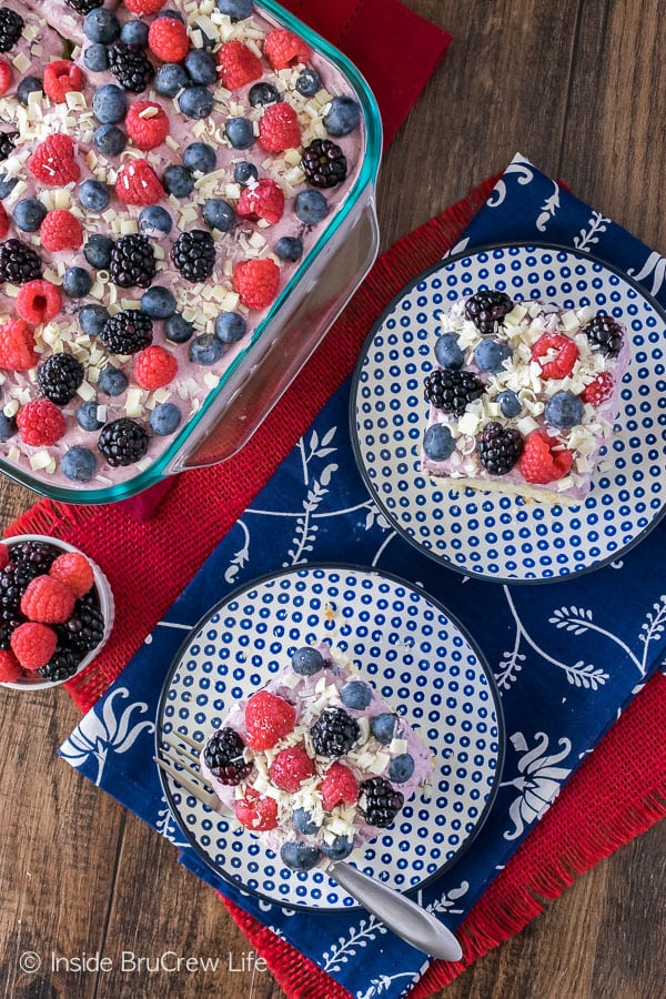 White Chocolate Berry Pudding Cake - pudding and berries make this a fun summer dessert recipe!