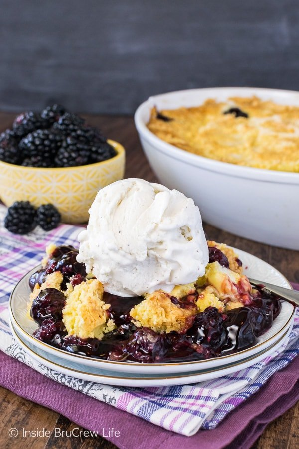 Blackberry Lemon Dump Cake - this easy three ingredient cake is delicious when served with a big scoop of ice cream. Great summer dessert recipe to serve a crowd!