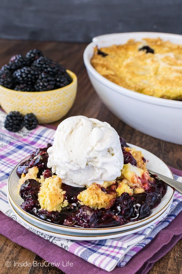 Blackberry Lemon Dump Cake - this easy three ingredient dessert is so good when topped with vanilla ice cream. Easy summer recipe that is great for a crowd!