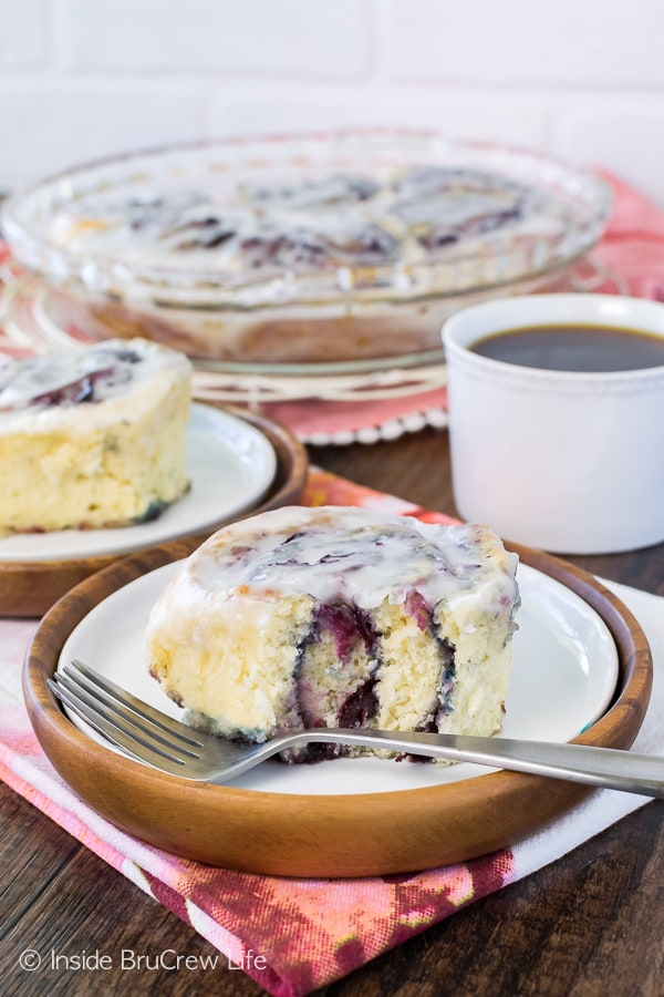 Cherry Sweet Rolls - a homemade cherry preserve filling and almond glaze makes these easy no yeast rolls a great summer breakfast recipe!
