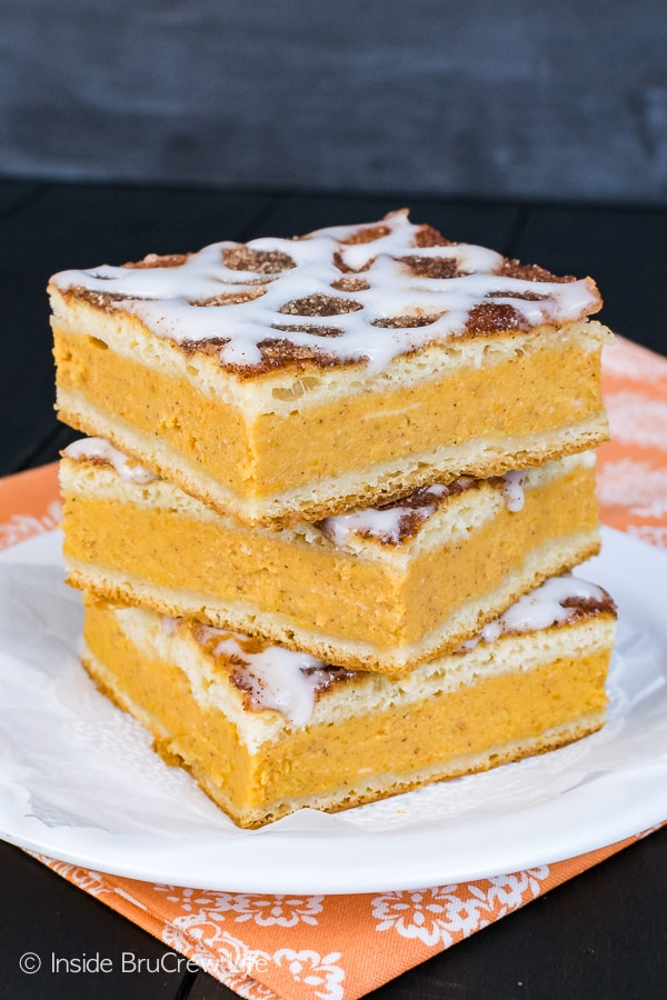 Churro Pumpkin Pie Cheesecake Danish - a cinnamon sugar coating adds a sweet texture to this easy breakfast pastry recipe. Perfect way to add pie to your morning routine this fall!