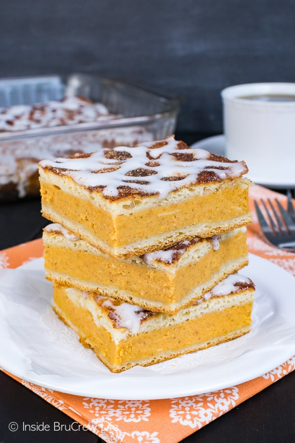 Churro Pumpkin Pie Cheesecake Danish - this easy breakfast pastry has a sweet pumpkin filling and a delicious cinnamon sugar coating. Perfect recipe to enjoy this fall!