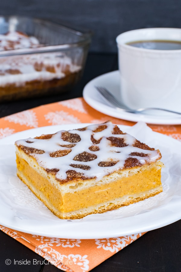 Churro Pumpkin Pie Cheesecake Danish - a sweet pumpkin cheesecake filling and a crunchy cinnamon sugar coating makes this the best pastry recipe for fall mornings. Great way to enjoy pie for breakfast!