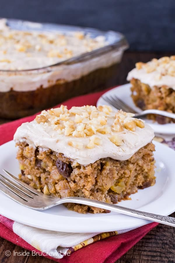 Maple Apple Walnut Cake - this easy homemade cake is loaded with nuts and fruit and topped with a maple spice frosting! Great fall recipe to indulge in!