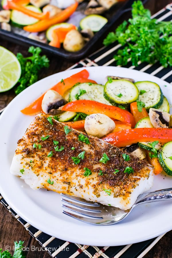 Sheet Pan Chili Lime Cod - a chili rub adds a spicy flair to this easy lean and green meal. Great 30 minute recipe for busy nights!