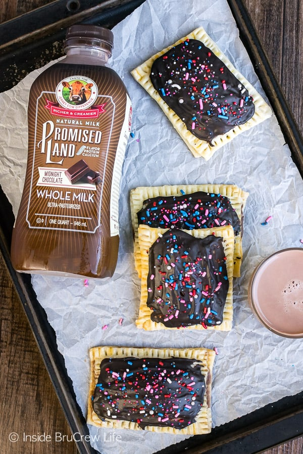 Brownie Cheesecake Breakfast Tarts - two times the chocolate makes these fun little tarts a great way to start the day. Easy recipe for breakfast!
