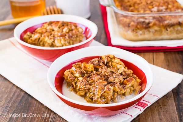 Cinnamon Apple Baked Oatmeal - easy breakfast recipe to make ahead of time for busy fall mornings