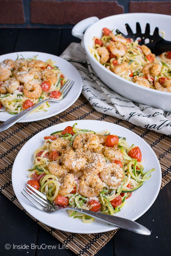 Parmesan Garlic Shrimp Zucchini Noodles - baked shrimp, zucchini noodles, and tomatoes make a great lean and green meal option for when you are eating healthy. #leanandgreen #healthy #shrimp #zucchini #30minutemeal