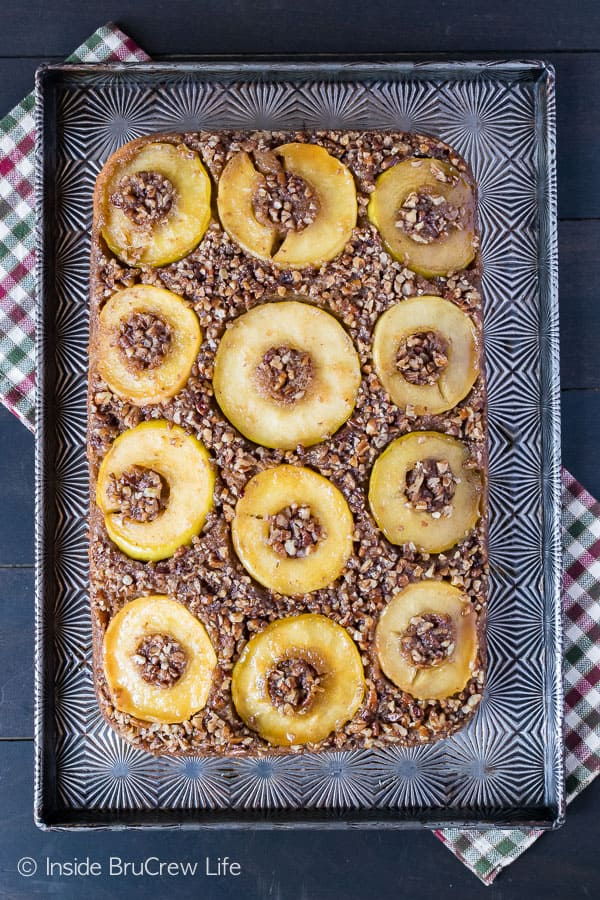 Apple Pecan Upside Down Cake - apple rings, pecans, and a gooey caramel topping make this a great fall recipe to try.