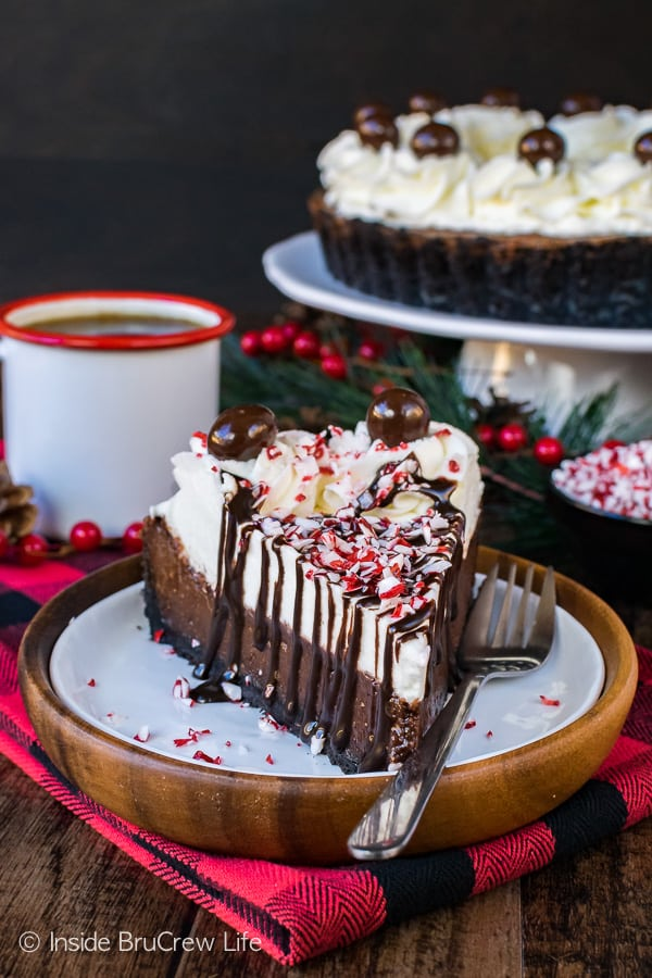 Peppermint Mocha Fudge Tart - this impressive layered dessert will stand out on your holiday dinner tables. Easy recipe for Christmas parties!