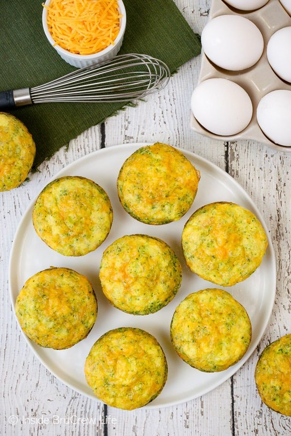 Broccoli Cheese Egg Muffins - these easy breakfast muffins are made with just three ingredients. Great recipe to make ahead of time for quick breakfasts. They are also freezer friendly. #eggs #broccoli #healthy #breakfast #cheese #recipe #easy #freezerfriendly