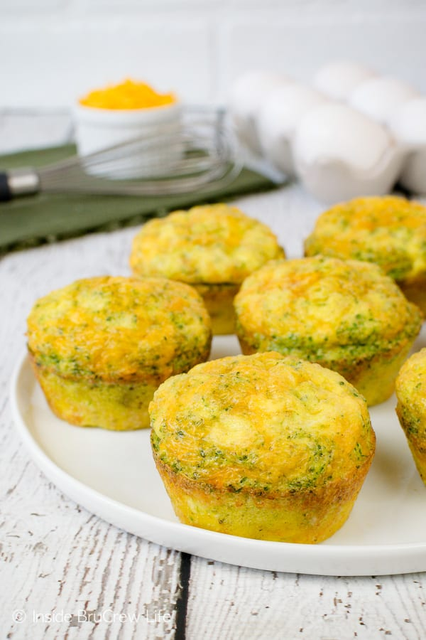 Broccoli Cheese Egg Muffins - healthy breakfast eggs using only three ingredients. Quick and easy recipe to make ahead of time! #eggs #broccoli #healthy #breakfast #cheese #recipe #easy #freezerfriendly
