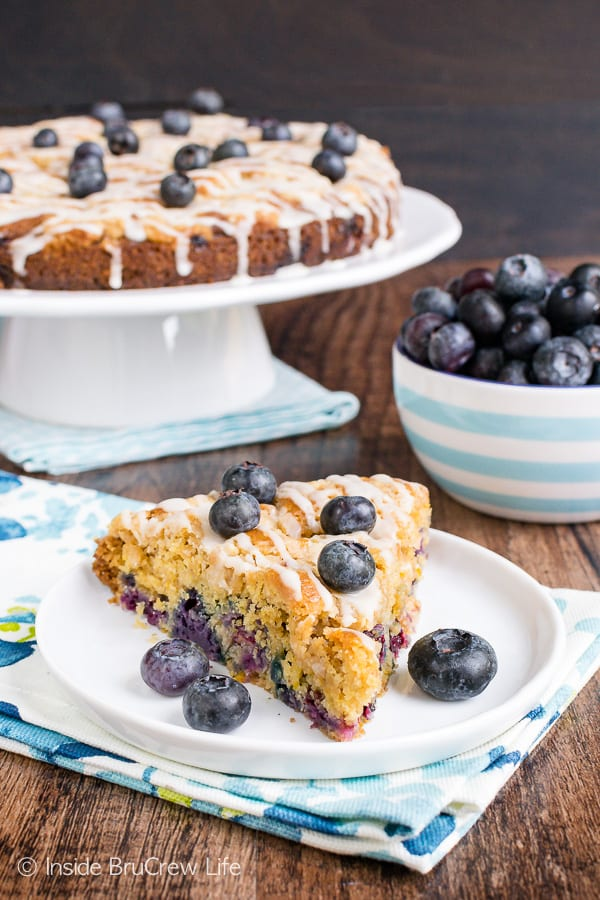 Blueberry Orange Crumble Cake - fresh blueberries and streusel make this soft coffee cake taste amazing. Make this easy recipe for breakfast or brunch! #coffeecake #blueberry #orange #breakfast #brunch #mothersday #homemade #recipe #easy