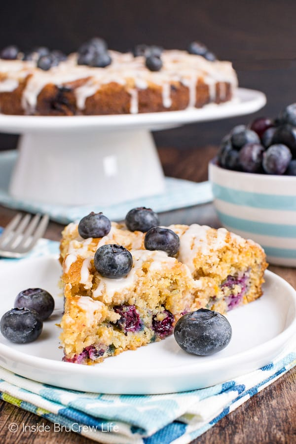 Blueberry Orange Crumble Cake - a homemade coffee cake loaded with fresh berries, orange zest, and streusel is a delicious way to start out the day. Make this easy recipe for breakfast or brunch. #coffeecake #blueberry #orange #breakfast #brunch #mothersday #homemade #recipe #easy