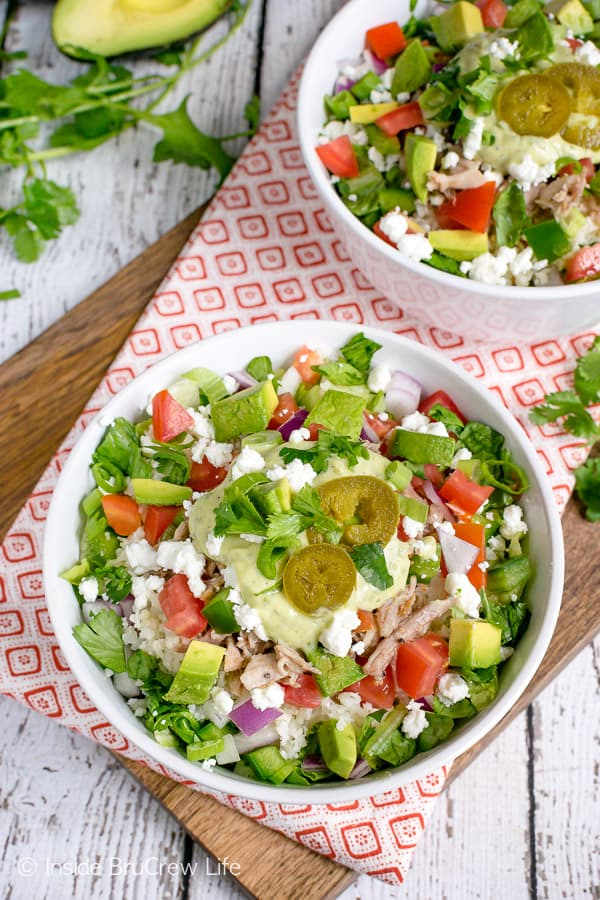 Healthy Pulled Pork Burrito Bowls - these burrito bowls are loaded with meat and lean and green veggies. Easy dinner recipe to make for those busy nights. #healthy #leanandgreen #pulledpork #burritobowls #dinner #recipe #easy