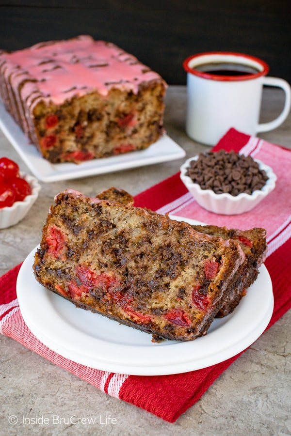 Cherry Chocolate Chip Banana Bread - soft moist banana bread loaded with cherries and chocolate chips is a very good idea. Make this easy sweet bread recipe for breakfast or after school snacks! #banana #cherry #breakfast #bananabread #chocolate #recipe