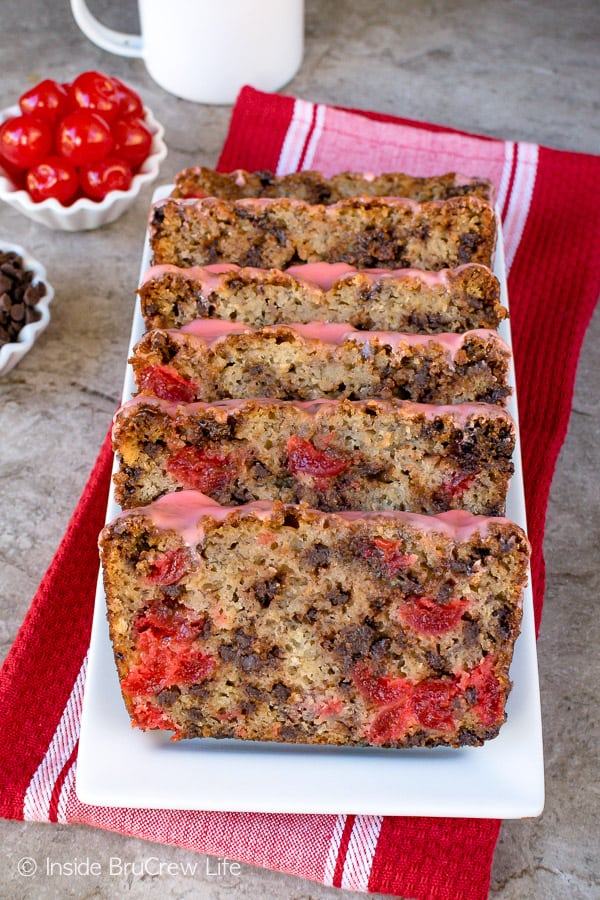 Cherry Chocolate Chip Banana Bread - this soft banana bread is loaded with chocolate and cherries. It's the perfect recipe for breakfast or after school snacks. #banana #cherry #breakfast #bananabread #chocolate #recipe