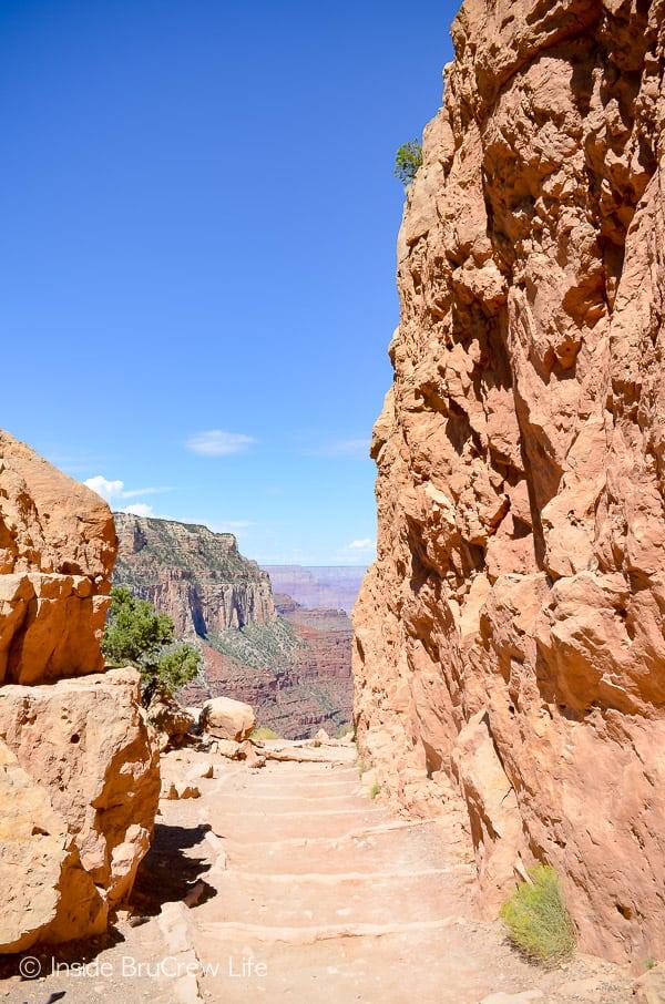Visiting Grand Canyon National Park - hiking the South Kaibab Trail