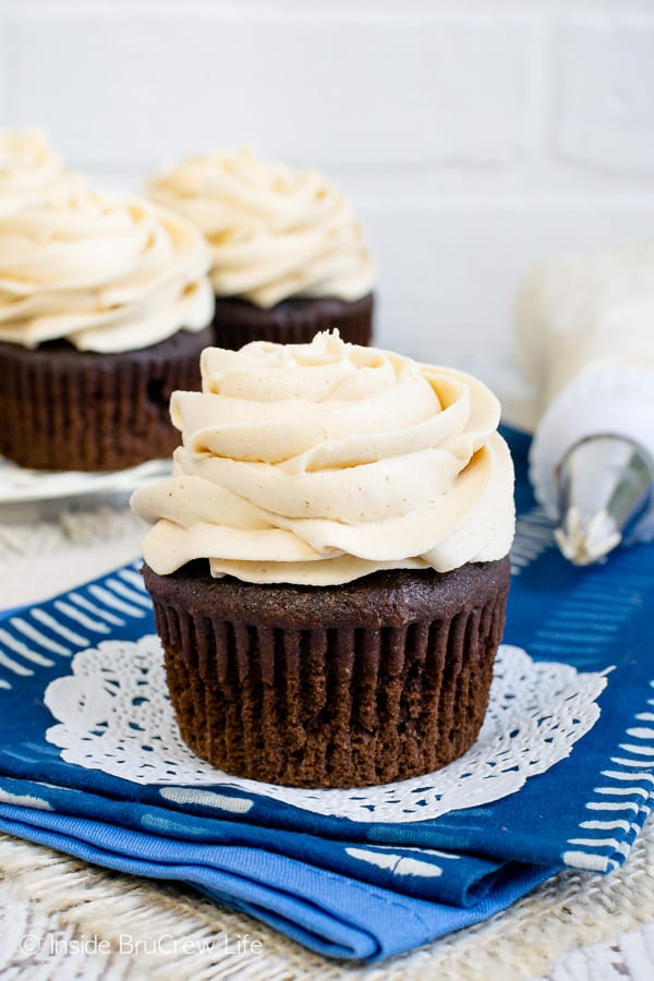 Best Honey Peanut Butter Frosting - this light and fluffy homemade frosting is perfect for all your cupcakes, brownies, or cakes. Make the easy recipe and watch your treats disappear! #frosting #peanutbutter #honey #homemade #buttercream #sweetandsalty
