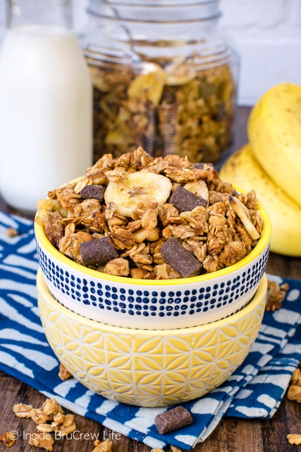 Peanut Butter Banana Chocolate Chunk Granola - chocolate, peanut butter, and banana make this homemade granola a great breakfast or snack choice. Make this recipe today and watch it disappear. #homemade #granola #banana #chocolate #peanutbutter #breakfast #snackmix #snacking