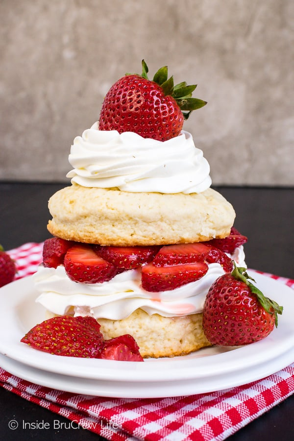 Homemade Strawberry Shortcake - fresh strawberries and whipped cream layered with homemade sweet biscuits makes a great dessert. Make this easy recipe and watch everyone devour it. #strawberry #shortcake #homemade #biscuits #summerdessert #recipe