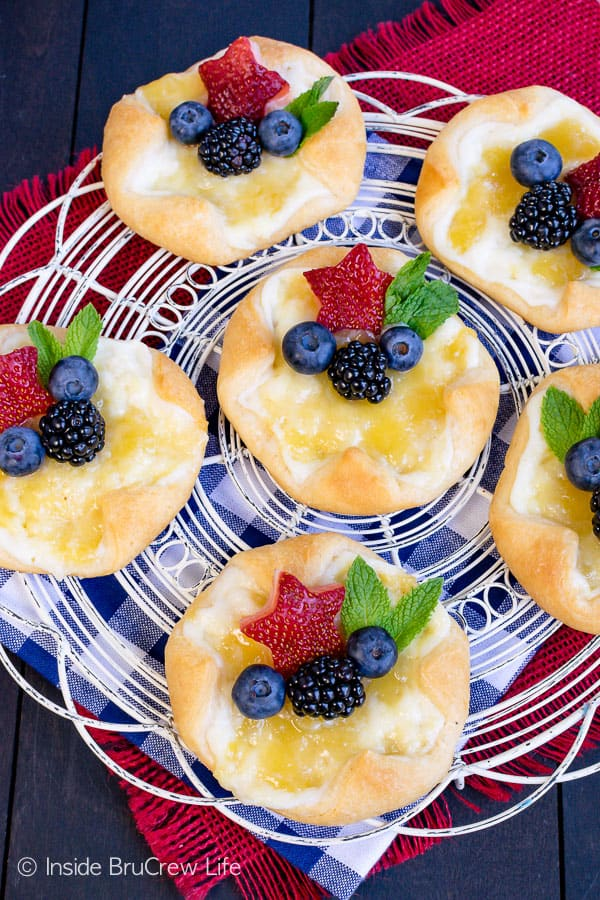 Easy Lemon Cheesecake Danish - fresh fruit and a lemon cheesecake filling makes this pastry so good. Try this easy recipe for summer showers or brunch. #breakfast #pastries #danish #cheesecake #lemon #fruit #recipe #easy #brunch