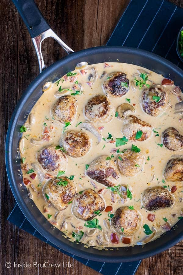 Low Carb Chicken Stroganoff Meatballs - these easy chicken meatballs and mushroom gravy are made in one pan. This delicious healthy recipe tastes just like comfort food. Perfect dinner recipe when you are eating healthy! #lowcarb #keto #leanandgreen #chicken #meatballs #stroganoff #healthy #dinner #skilletdinner #onepanmeal