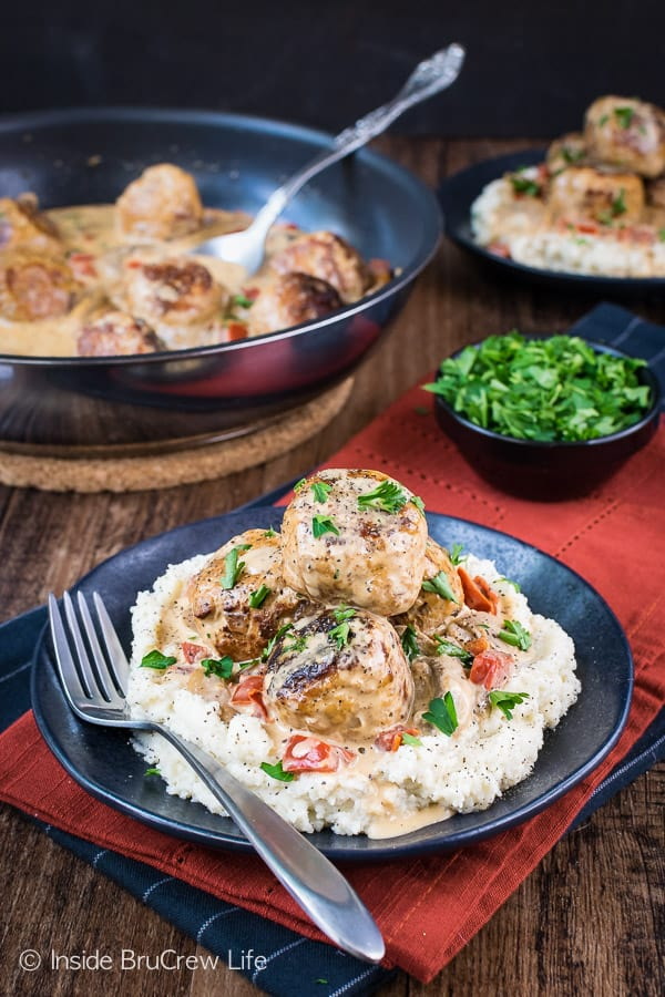 Low Carb Chicken Stroganoff Meatballs - mushroom and red pepper gravy with chicken meatballs makes a delicious meal that is perfect for low carb, keto, and lean and green diets. The best part is that it tastes like comfort food! #lowcarb #keto #leanandgreen #chicken #meatballs #stroganoff #healthy #dinner #skilletdinner #onepanmeal