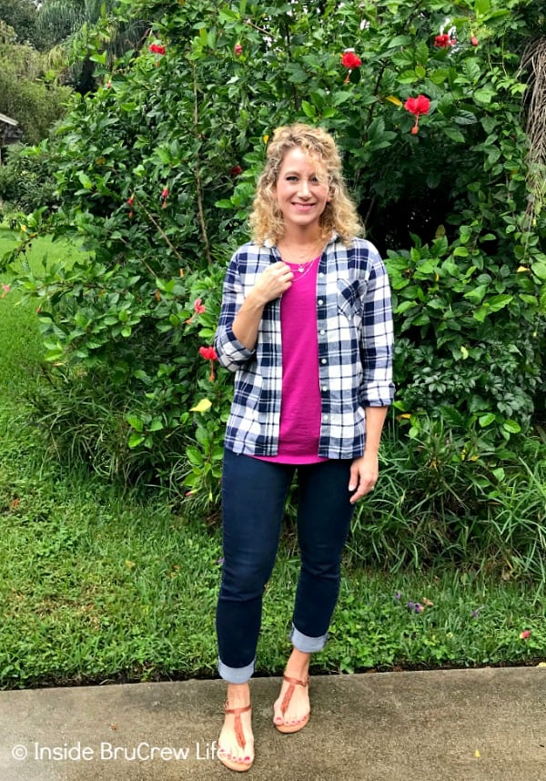 Fall Fashion Finds - flannel shirts layered with t-shirts and jeans are a great way to stay warm on cool fall days #fashion #shopping #oldnavy #oldnavystyle