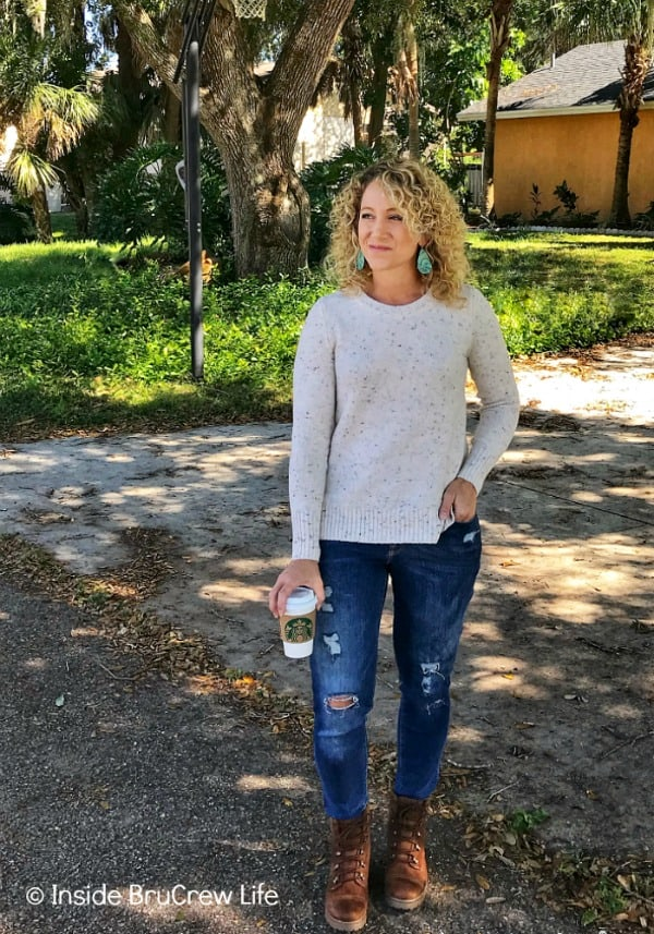 Fall Fashion Finds - this cream sweater from Old Navy is soft and so cute. It looks great paired with jeans and boots. #fashion #shopping #oldnavy #oldnavystyle #target #targetstyle