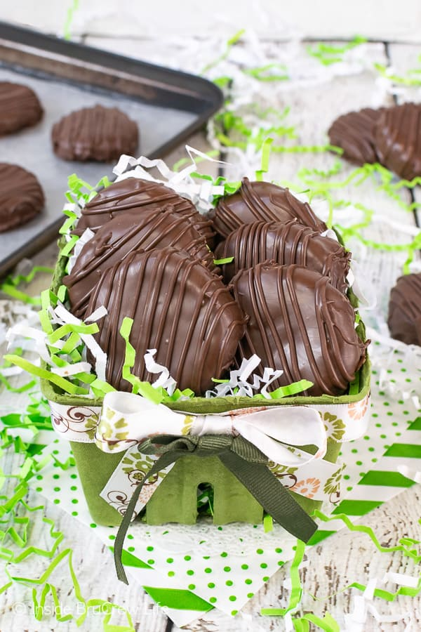 Homemade Key Lime Coconut Patties - these homemade candies have a sweet and tart filling that is covered in a dark chocolate shell. Great recipe to make for spring and summer events or parties. #keylime #coconut #homemade #candy #easter #floridadessert #darkchocolate