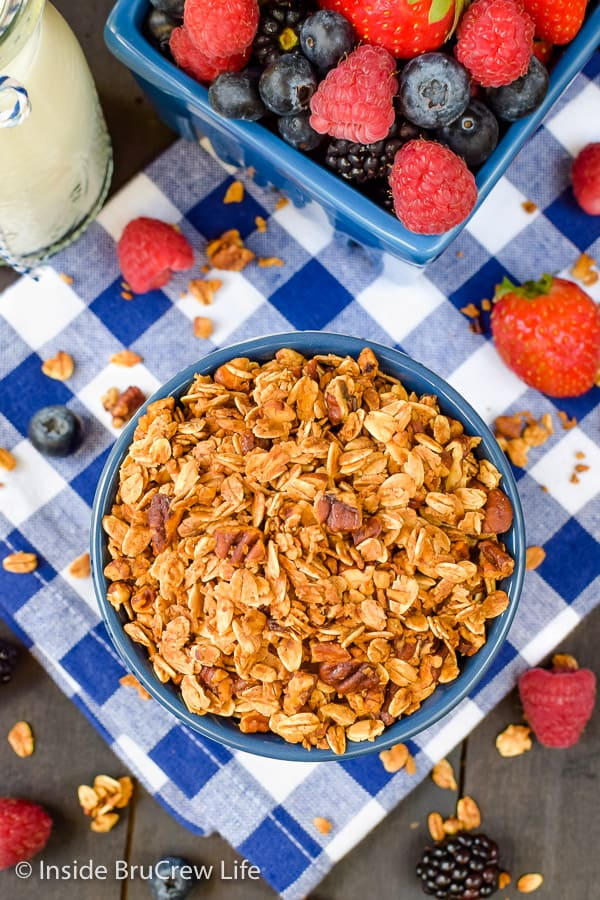 Honey Nut Granola - use your favorite nuts and honey to make a batch of this homemade granola. Try it with milk, yogurt, or chia pudding for an easy breakfast! #granola #homemade #breakfast #snackmix #honeynut