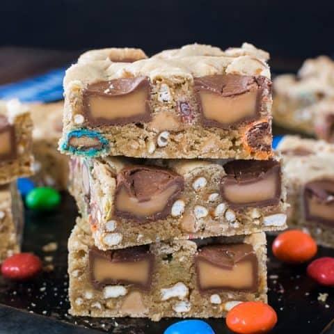 Caramel Pretzel Peanut Butter M&M Bars