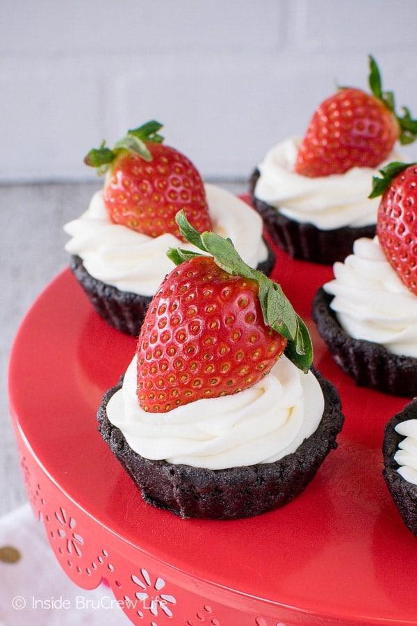 No Bake Chocolate Cream Tarts