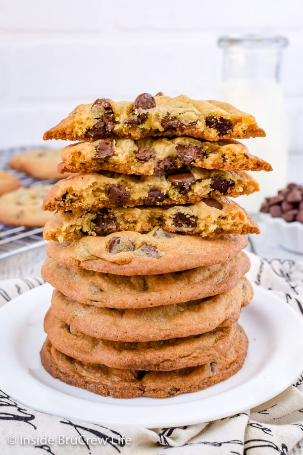 Our Favorite Chocolate Chip Cookies - chewy centers and crispy edges makes everyone declare these are the perfect chocolate chip cookie. Great recipe for bake sales or parties! #cookies #chocolatechipcookies #easy #recipe