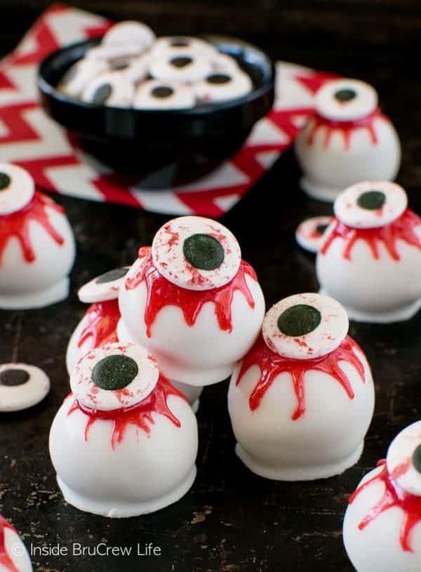 Peanut Butter Zombie Eyeballs