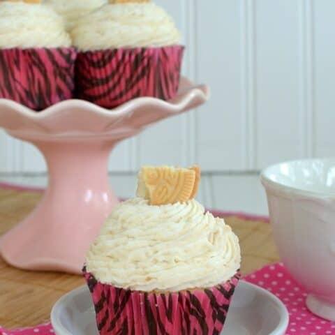 Golden Oreo Vanilla Cupcakes
