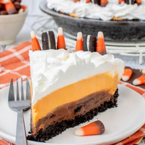 No Bake Halloween Oreo Cream Pie