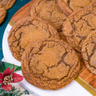 Molasses Crackle Cookies