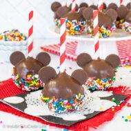 Mickey Mouse Cake Pops – Disney Copycat Recipe